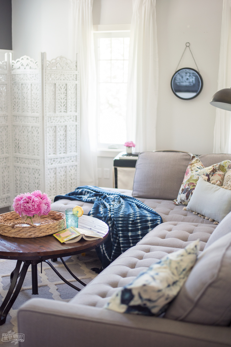 Simple And Fresh Summer Living Room Tour In Pinks Blues