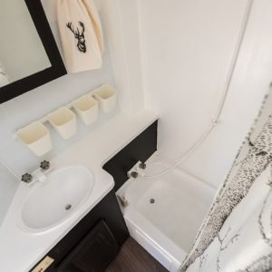 RV bathroom makeover on a budget - great ideas!
