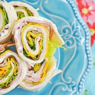 Make Ham & Cheese Pinwheels for Back to School Lunches