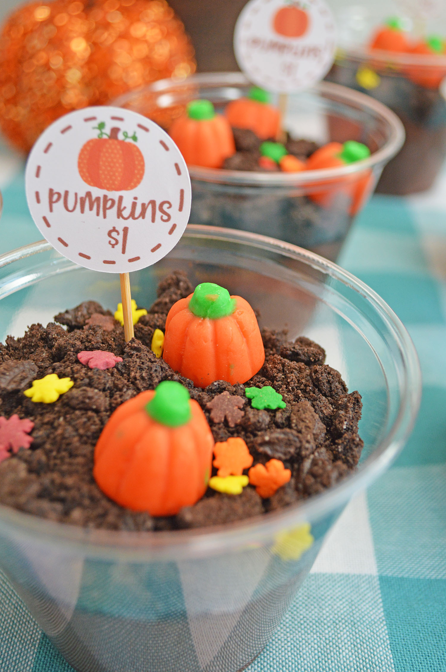 Make Pumpkin Patch Pudding Cups (with Free Printable!)