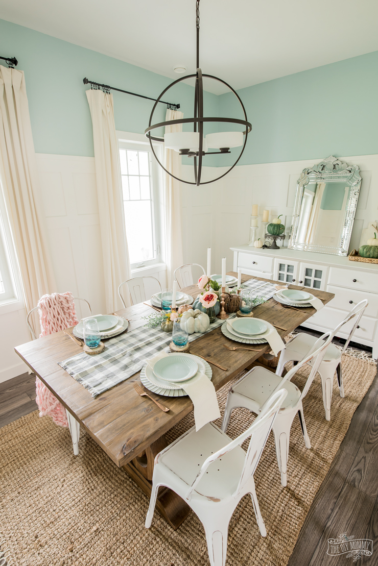 Fall dining room in pink & green