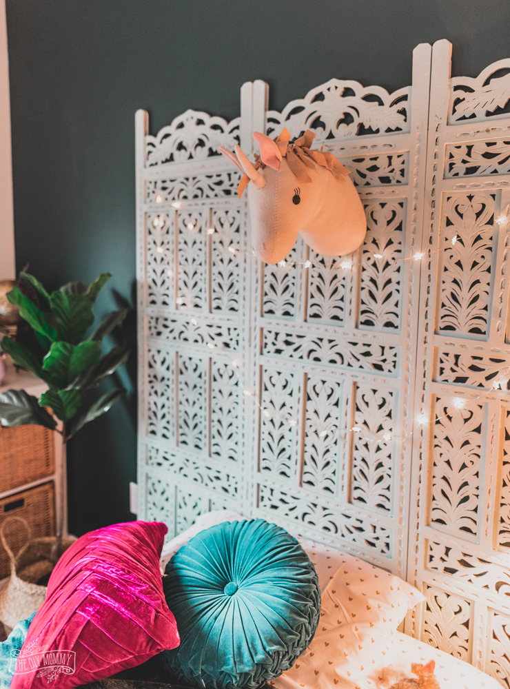 Diy Boho Headboard From A Vintage Screen The Diy Mommy
