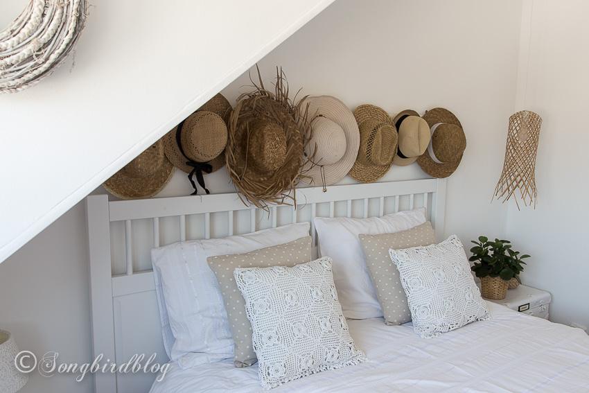 Songbird's beautiful, boho bedroom