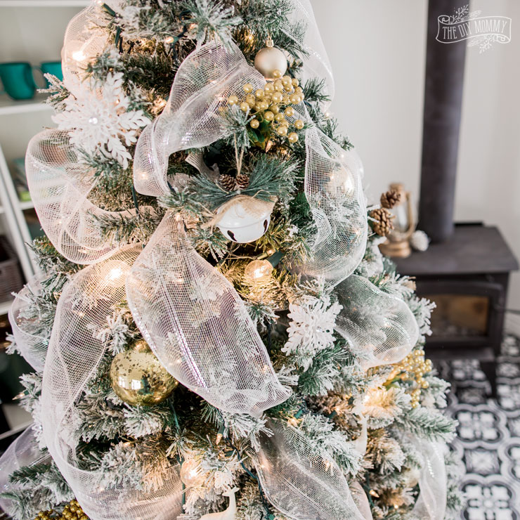 5 Ways to make your Christmas Tree look amazing on a budget