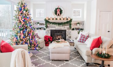 Classic Cottage Lake House Christmas Decor