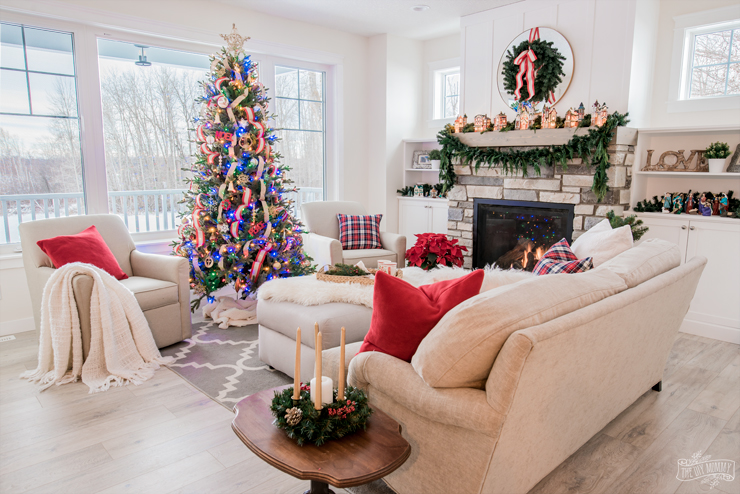 Classic Cottage Lake House Christmas Decor