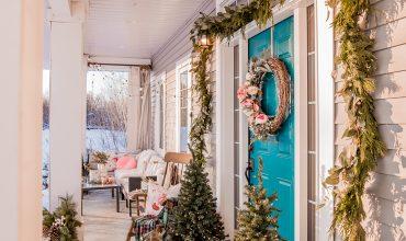 Romantic Christmas Porch Decor