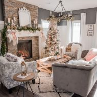 Romantic Christmas Living Room (& the Christmas Canadian Bloggers Home Tour Hop!)