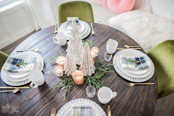 Rustic Glam Breakfast Nook Christmas Table Idea