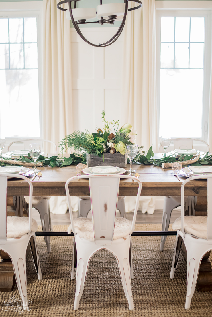Rustic Glam Christmas Dining Room Table Idea