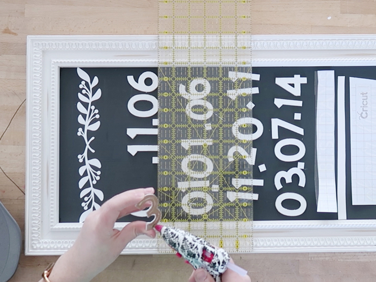 DIY 3D Farmhouse Sign with Cricut Knife Blade