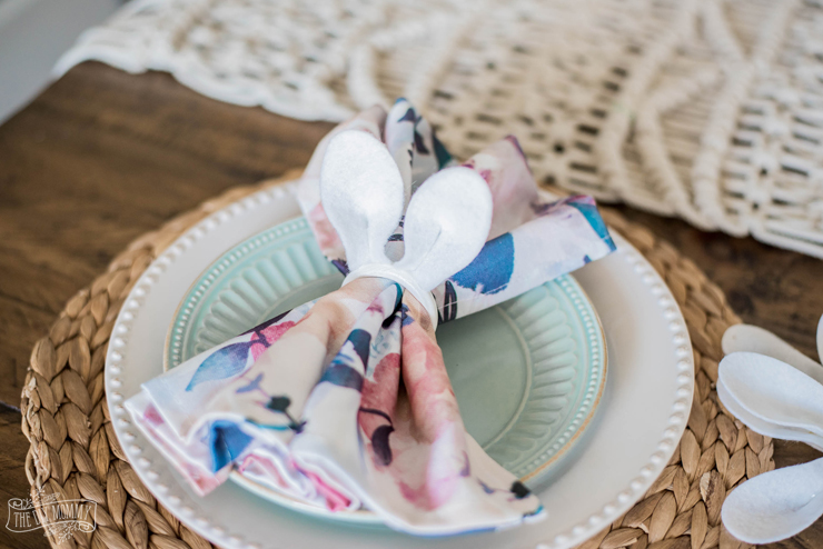 DIY Dollar Store Bunny Ear Napkin Rings
