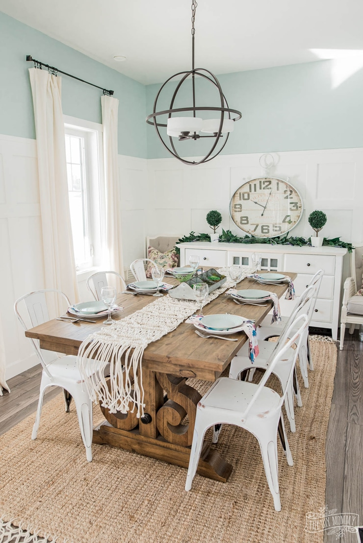 Fresh Spring French Country Farmhouse Dining Room Design