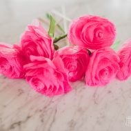 Make Easy Paper Roses from Dollar Store Streamers