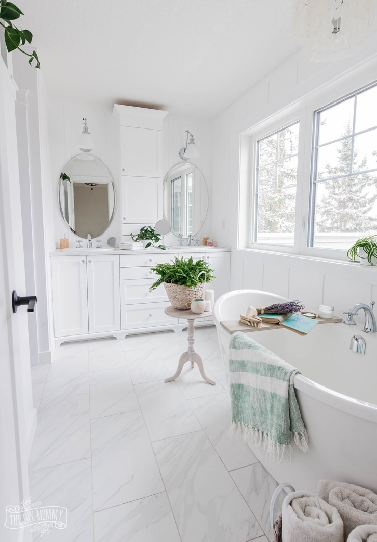 Traditional Cottage Spa White Master Bathroom Design