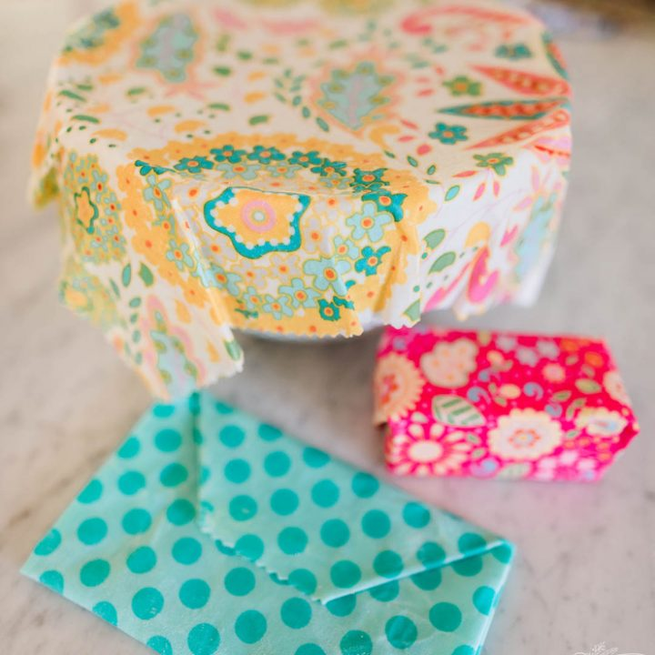 Step-by-step and video tutorial on how to make beeswax wraps