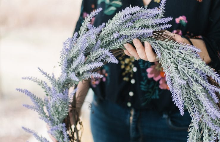 How to make an easy DIY faux lavender wreath