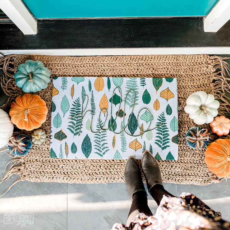 Colorful & inexpensive DIY Fall porch decor ideas