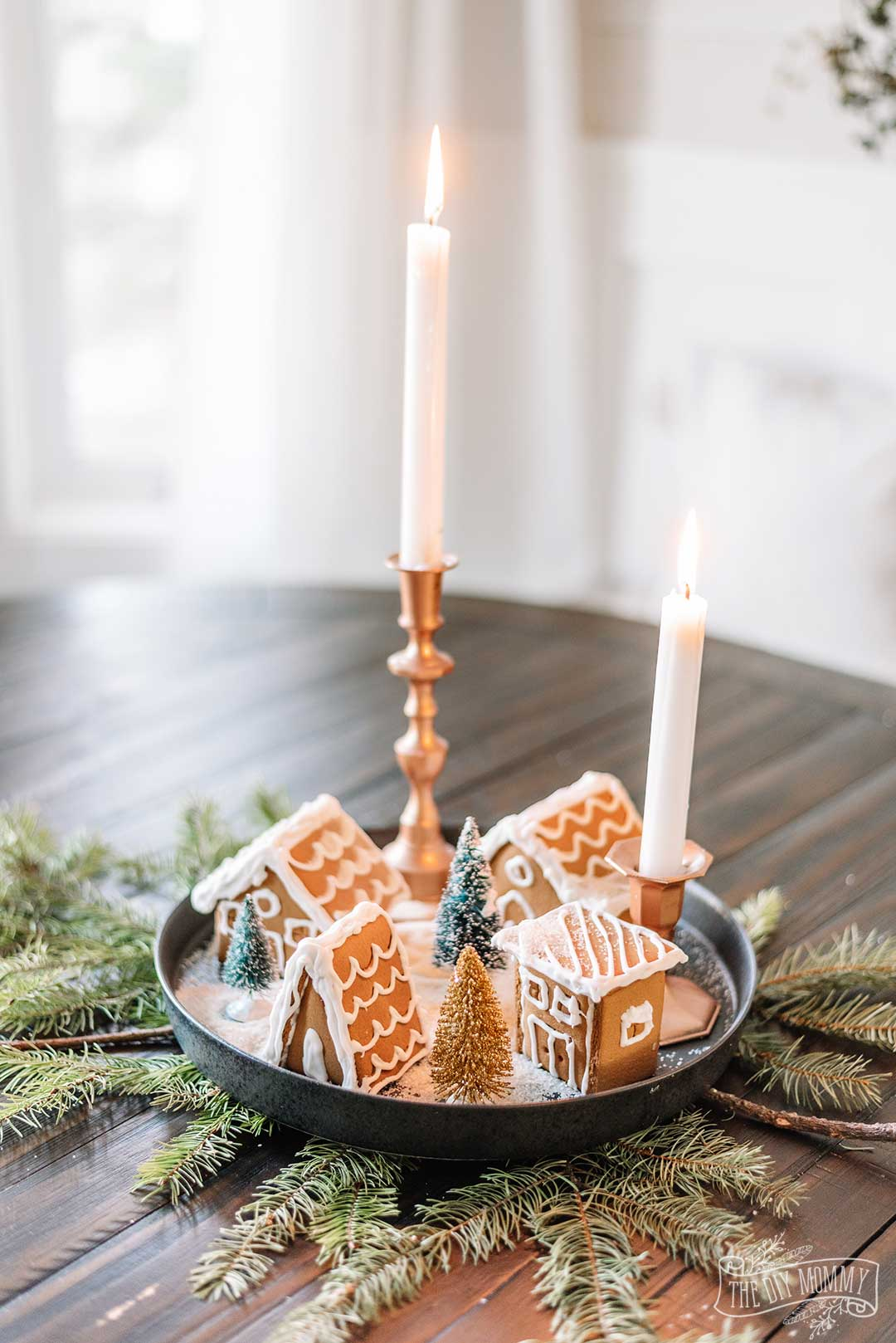 How to make the easiest tiny gingerbread Christmas centerpiece