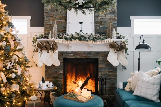 Rustic Boho Christmas Mantel decorating ideas