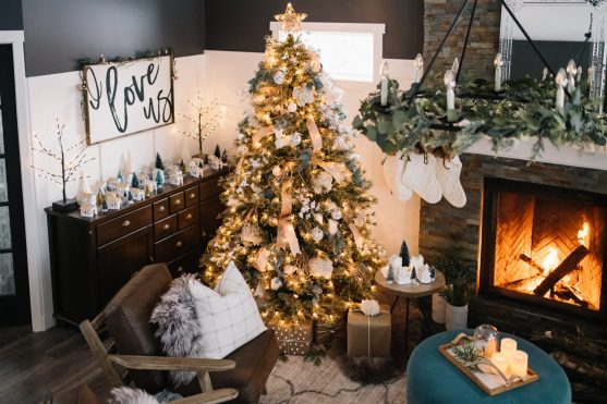 10 Ways to Create a Cozy Christmas Home - ideas for hygge during the Holidays