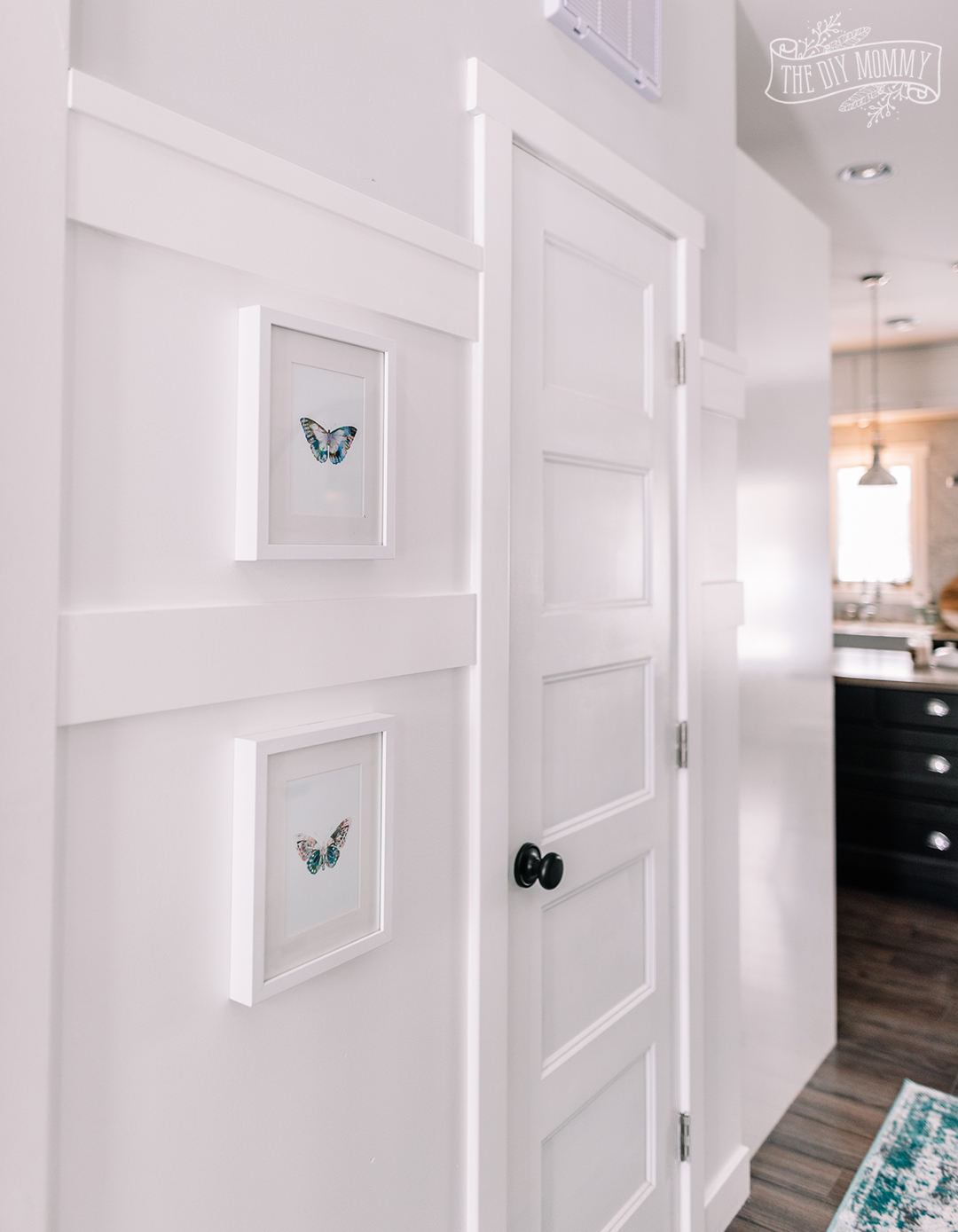 Picture of: Small Entry Makeover With Tons Of Hallway Storage The Diy Mommy