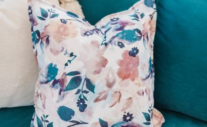 How to make a DIY no sew pillow from cloth napkins - so easy!