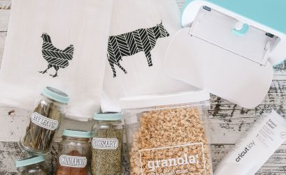 5 ways to organize your kitchen with Cricut Joy - DIY spice jar labels, pantry labels & tea towels