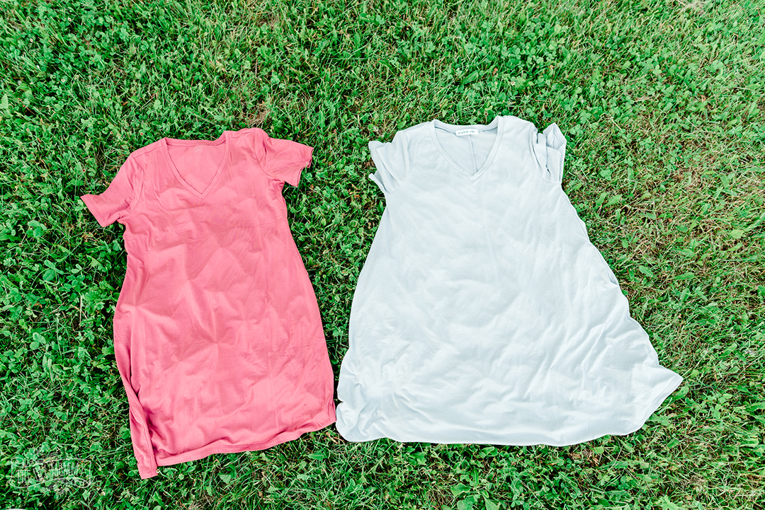 Step by step instructions on how to tie dye a dress with bleach for a reversed pattern.