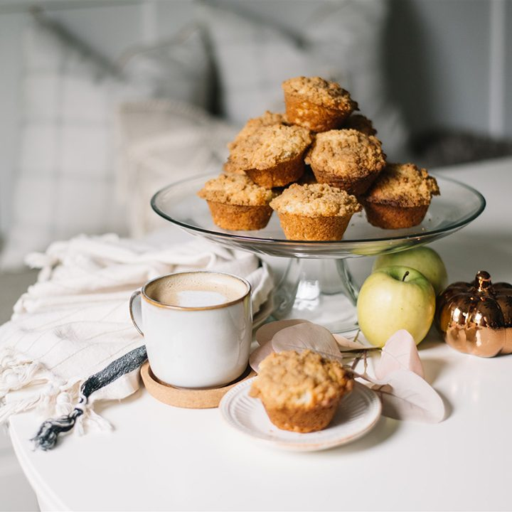 Easy Apple Muffins with Crumb Topping