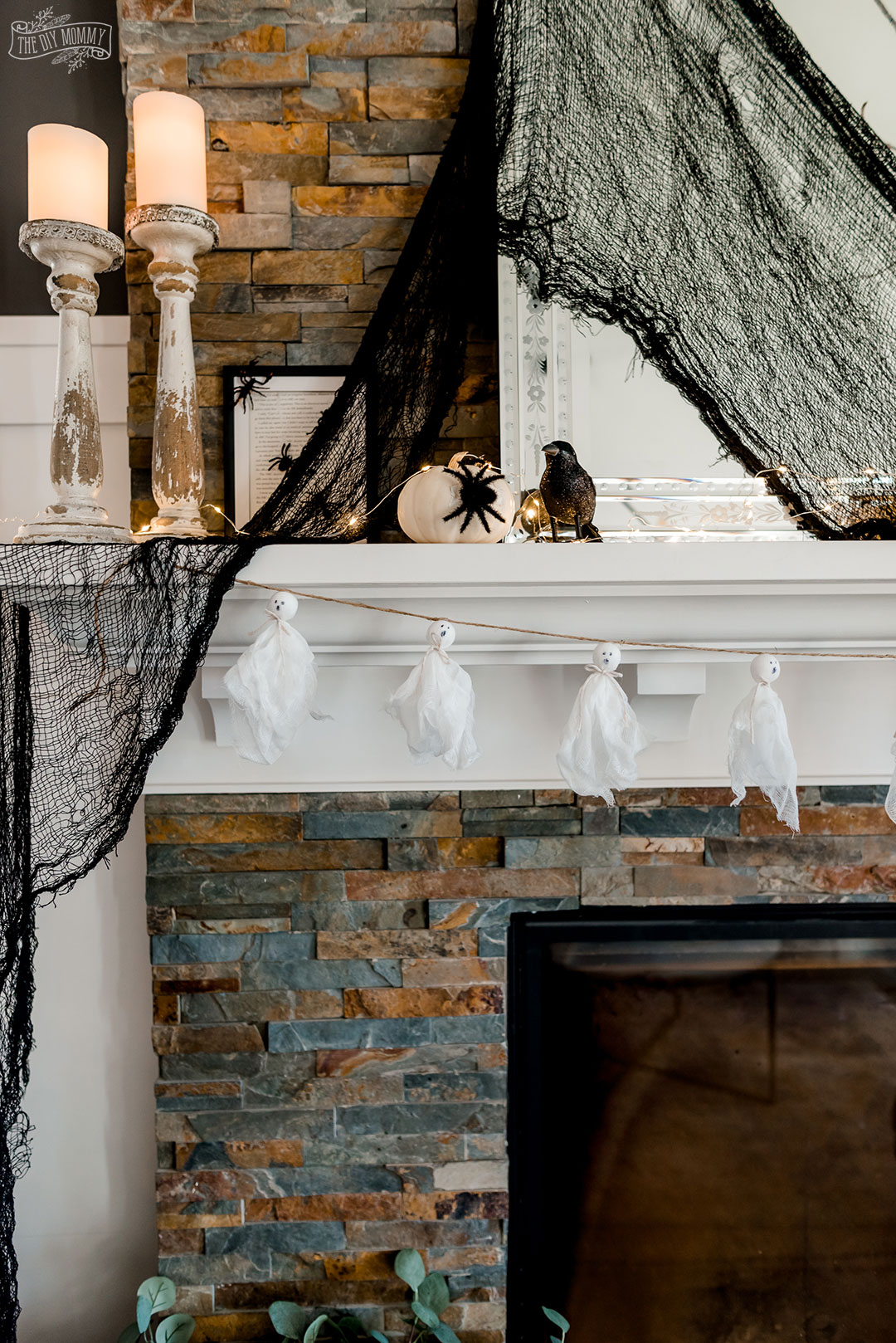 Cute DIY and decorating ideas from the dollar store for Halloween