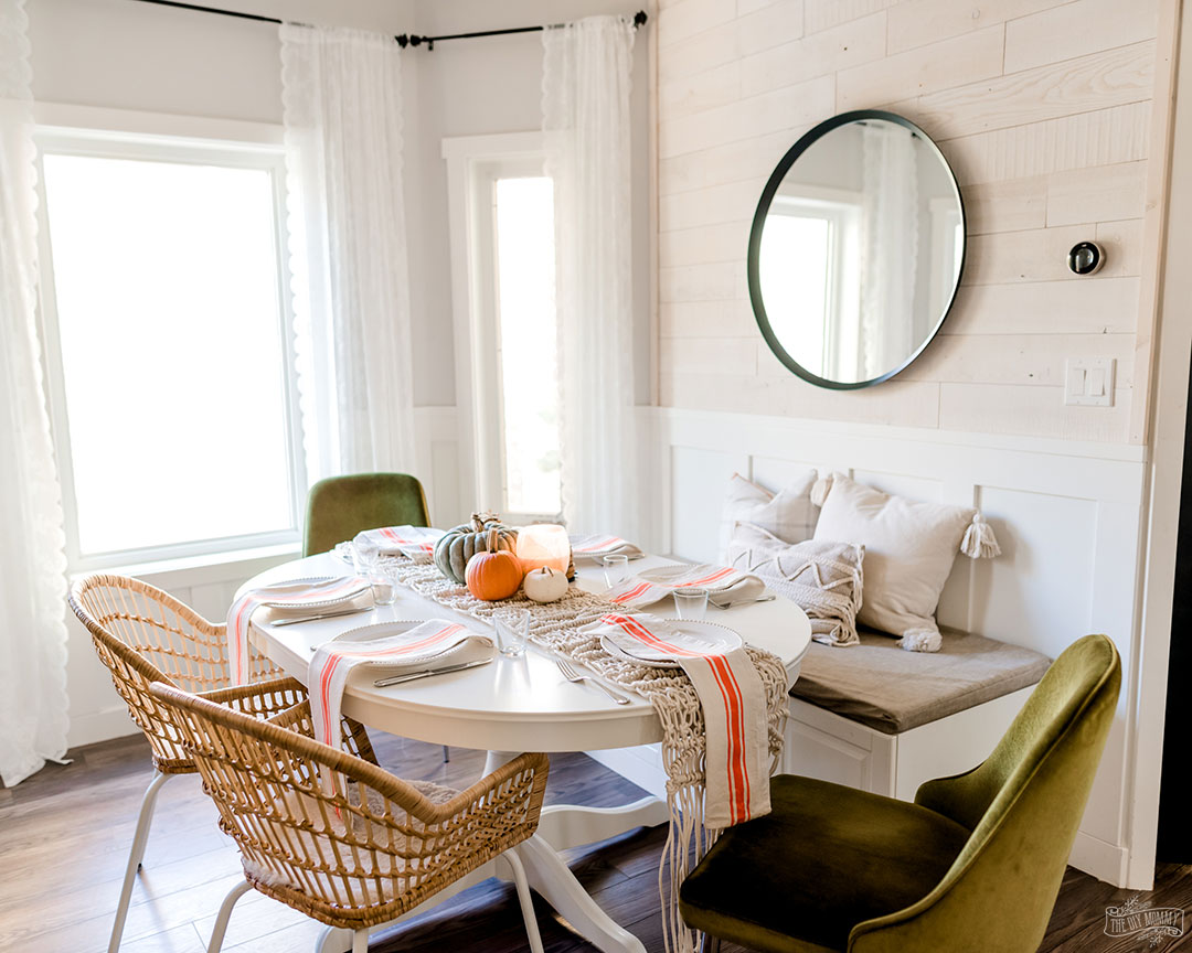 Fall and Thanksgiving decorating ideas for the kitchen and dining table