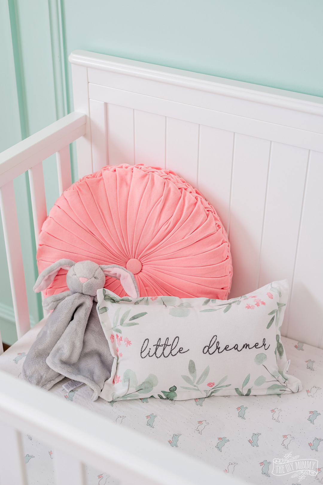 Traditional mint Green, pink & white nursery decor ideas