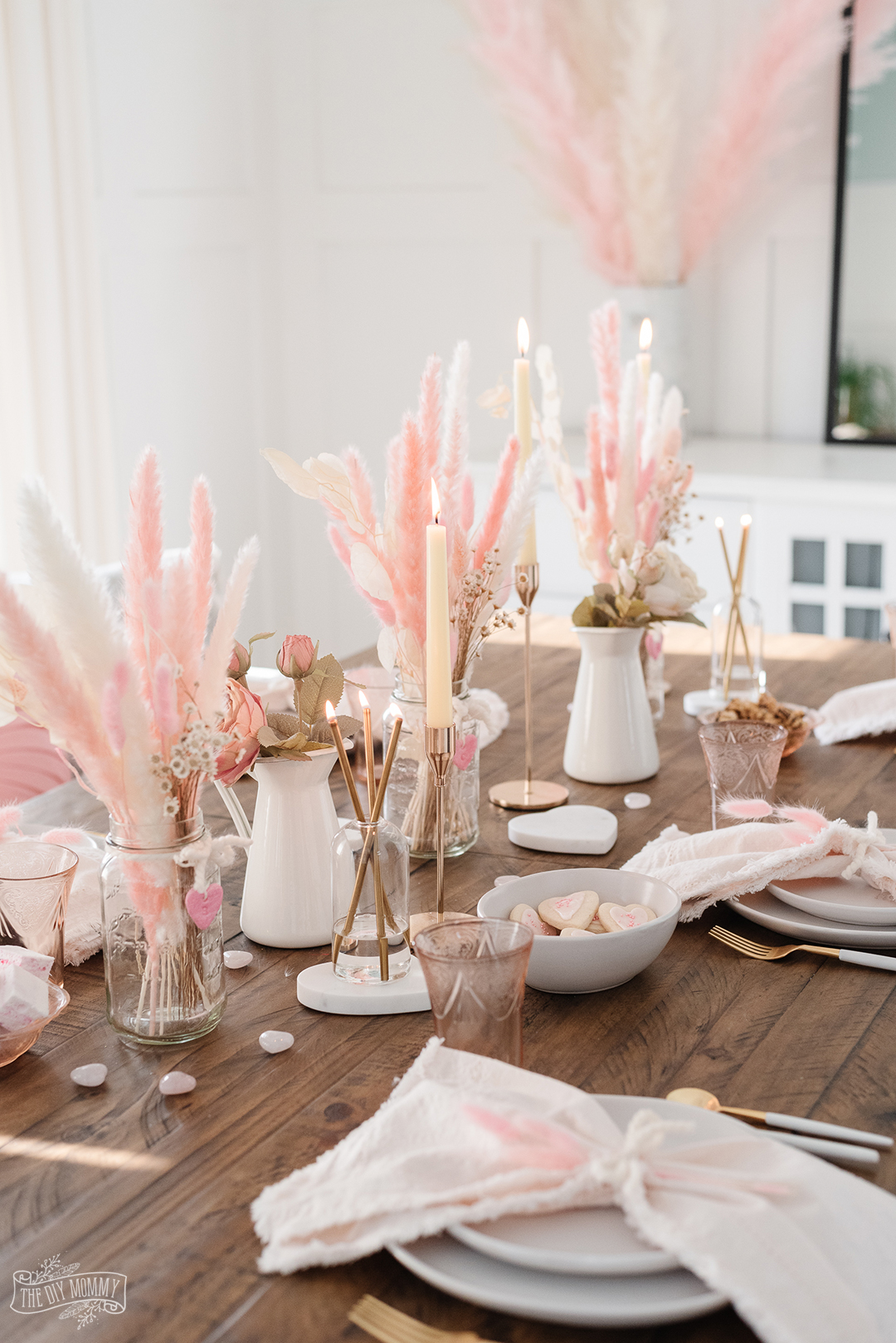 Romantic Pink, White and Gold Valentine Table